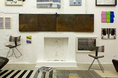 A modern wall. #decor #chair #workofart #casacor #interior #design #casadevalentina