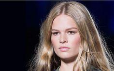 Gefahr für schönes Haar wie das von Anna Ewers: Trockene Kopfhaut wird vor allem im Winter zum Problem
