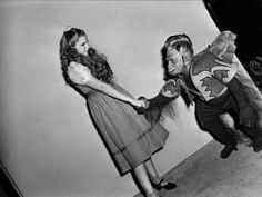 The Wizard of Oz - TV And Movie Sets Funny Photos (10)