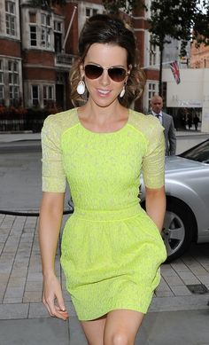 Kate Beckinsale look fluor