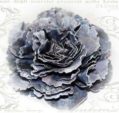 Mistra Hoolahan: Bouquet Rose - Flower Tutorial--- uses Spellbinders dies Denim Flowers, Felt Flowers, Fabric Flowers, Metal Flowers, Rose Tutorial, Paper Flower Tutorial, Different Kinds Of Flowers, How To Make Paper Flowers, Kanzashi