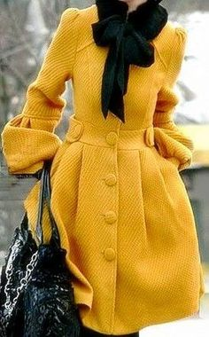 Mustard Coat dress looking thing Mode Outfits, Fashion Outfits, Womens Fashion, Fashion Trends, Fashion Coat, Yellow Coat, Black N Yellow, Mustard Yellow, Color Yellow