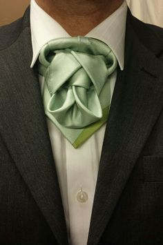 THE MOCKA ASCOT  (BY BORIS MOCKA AKA THE JUGGER KNOT )