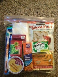 great package idea to help a homeless person. make up a few of these and when you see someone homeless, pass it on.