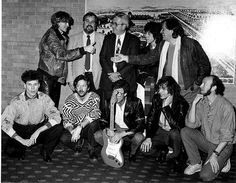Beck, Gilmour, Stuart Adamson, Clapton, Hank Marvin, Steve Howe, Richard Thompson, Hal Lindes, Dan Smith, John Hill, Bill Schultz.