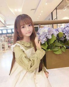 Asian Cute, Cute Asian Girls, Cute Girls, Black And White Graffiti, Cute Kawaii Girl, Maid Cosplay, Uzzlang Girl, Model Face, Cute Japanese