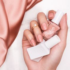 Sew Me - Neutral Cream Rose At-Home Gel-like Manicure - Essie Gel Couture