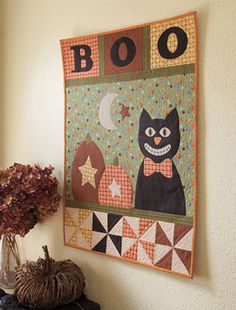 Scaredy Cat Wall Hanging Kit by Kristin Gassaway @ Connecting Threads Halloween Fabric Crafts, Halloween Sewing, Halloween Quilts, Halloween Projects, Fall Sewing Projects, Quilting Projects, Sampler Quilts, Fall Quilts, Cat Quilt