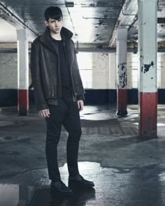 See all the Collection photos from Allsaints Menswear Autumn/Winter 2014 Menswear now on British Vogue Men's Fashion, Stylish Mens Fashion, Fashion Images, Runway Fashion, All Saints Leather Jacket, Mens Leather Coats, Allsaints Looks, Fall Winter 2014, Autumn