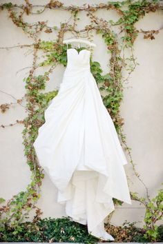 Stunning wedding gown by Romona Keveza. Photography by stepanvrzala.net