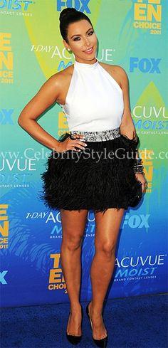 kim kardashian-vestido de cóctel de Givenchy, con falda de plumas de avestruz