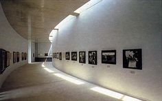 Daylight Museum. 1997-98. Gamo-gun, Shiga, Japón, Tadao Ando. Tadao Ando, Shiga, White Concrete, Facade Architecture, Hotel Spa, Skylight, Light And Shadow, Natural Light, Photo Wall