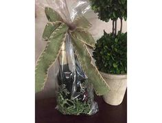 This auction is for a gift basket of oil and vinegar from Oil + Ve Shoppe. Oil +Ve has three shops - one located in the historic district of Roswell at 1003 Canton Street, another in the heart of Buckhead at 3263 Roswell Road NE, and the third in...