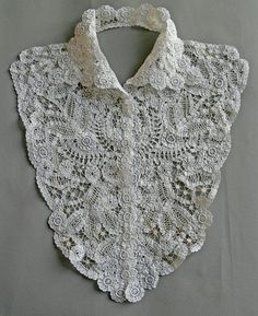 Vintage 1910s Plastron Collar lace Bruges cotton Closed by 3 small snaps Excellent condition Clean, no marks. White width across shoulders 13.77
