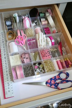 Drawer Organizing Tips and Products - Organized Sewing Drawer. Tips for organizing drawers. -Creative Drawer Organizing Tips and Products - Organized Sewing Drawer. Tips for organizing drawers. - Using nothing but cardstock (plain or patterned) an. Organisation Hacks, Sewing Room Organization, Craft Room Storage, Organizing Tips, Organizing Drawers, Pegboard Craft Room, Craft Rooms, Sewing Room Design, Craft Room Design