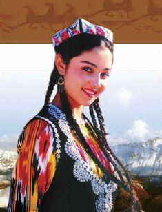 Uyghur-Girl.jpg 289×377 pixels