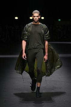 versace, desfile masculino, moda masculina, semana de moda, fashion week, london fashion week, menswear, alex cursino, blog de moda masculina, digital influencer, social media, youtuber (1)