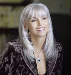 Creative ideas regarding amazing looking women's hair. Your hair is exactly what can certainly define you as a man or woman. To numerous people today it is certainly important to have a great hair style. Hairstyle New Look. Hair and beauty. Grey Hair Over 50, Long Gray Hair, Grey Wig, Silver Grey Hair, Grey Hair With Bangs, White Hair, Silver Wigs, Grey Hair Fringe, Long Black