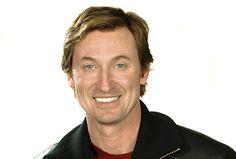 Happy birthday to the hockey legend Wayne Gretzky. Ice Hockey Players, Nhl Players, Classy People, Wayne Gretzky, Edmonton Oilers, Actors & Actresses, Donald Trump, Poses, Canada