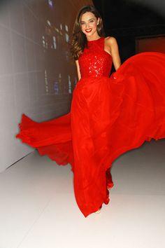 Miranda Kerr, de rojo pasión