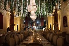 Los 10 mejores wedding planners en Cartagena: con ellos vivirás una boda 'top' e insuperable Planners, Wedding Planner, Chandelier, Ceiling Lights, Candles, Table Decorations, Lighting, Home Decor, Cartagena