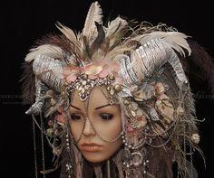 Kopfschmuck - Headdress, Kriegerin, Kopfschmuck mit Hörnern - ein Designerstück von Maskenzauber bei DaWanda