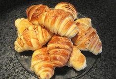 Hungarian Desserts, Hungarian Recipes, Salty Foods, Salty Snacks, Kefir, Croissant, Croation Recipes, Bread Dough Recipe, Buttermilk Recipes