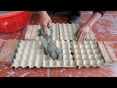 Outdoors Discover Egg Tray And Cement - How To Make Easy Flower Pots at home for you Diy Cement Planters Concrete Crafts Concrete Garden Concrete Statues Concrete Sculpture Burlap Pumpkins Diy Wall Painting Vintage Garden Decor Diy Home Repair Diy Cement Planters, Cement Flower Pots, Pallet Planters, Small Patio Ideas On A Budget, Budget Patio, Garden Diy On A Budget, Concrete Crafts, Concrete Garden, Wooden Garden