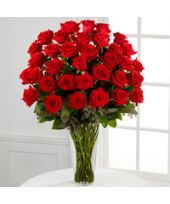 Nothing speaks of love so much as a bouquet of beautiful long stem red roses. Arranged with seeded eucalyptus in a classic glass vase, this bouquet is a gift to her heart from yours. EXQUISITE rose bouquet is approximately x Rose Flower Pictures, Flower Images, Red Rose Bouquet, Red Rose Flower, Flower Bouquets, Rose Delivery, Flower Delivery, Beautiful Rose Flowers, Cut Flowers
