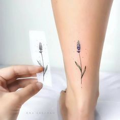 Super Cute And Dainty Ankle Tattoo Designs For Women If you are looking for a fresh tattoo look, then why not try out an ankle tattoo. There is just something about ankle tattoos that are fun a Mini Tattoos, Small Hand Tattoos, Trendy Tattoos, Foot Tattoos, Finger Tattoos, Body Art Tattoos, Ankle Tattoos, Tatoos, Ankle Tattoo Designs