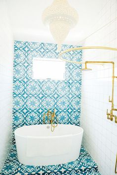 Teal tile bathroom // Bathroom Lighting Ideas - Moroccan Pendant