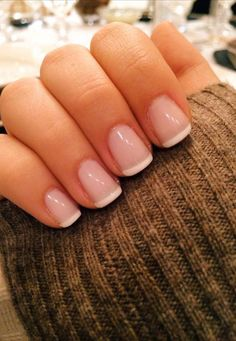 12 Amazing Nail Designs For Short Nails: #6. Classic French Manicure