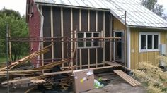 Siding removal and renovation on a southern Finland home building project  Remontti rintamiestalo Uusimaa Lohja Suomi