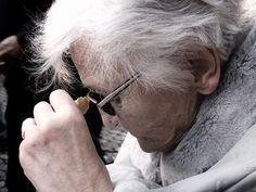🌺 Cuidado de persona mayor Necesitaría una mujer para que hiciera la comida y la cena a una persona mayor y le suministrara las pastillas que necesita al día, aparte de hacerle compañía un ratito por las tardes. PARA VER O SOLICITAR ESTE PUESTO: ➡ http://bit.ly/1QtEPOD Para buscar otras ofertas como esta: 👉 http://bit.ly/1mXRqSv