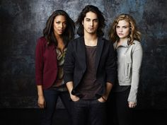 """TWISTED - ABC Family's """"Twisted"""" stars Kylie Bunbury as Lacey, Avan Jogia as Danny and Maddie Hasson as Jo. (ABC FAMILY/Andrew Eccles)  @giveaways4mom"""