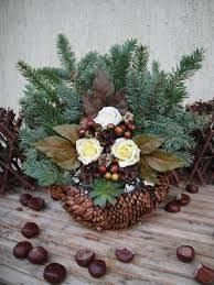 """Képtalálat a következőre: """"koszorúk mindenszentek"""" All Things Christmas, Advent, Christmas Wreaths, Floral Wreath, Holiday Decor, Fall, Flowers, Diy, Home Decor"""