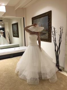 Un mio capo, l'atelier...in vetrina.... Alessandro Tosetti Www.tosettisposa.it Www.alessandrotosetti.com #abitidasposa2015 #wedding #weddingdress #tosetti #tosettisposa #nozze #bride #alessandrotosetti