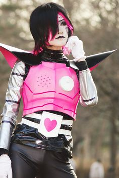 Undertale Mettaton cosplay - COSPLAY IS BAEEE! Tap the pin now to grab yourself some BAE Cosplay leggings and shirts! From super hero fitness leggings, super hero fitness shirts, and so much more that wil make you say YASSS! Mettaton Cosplay, Undertale Cosplay, Undertale Au, Halloween Cosplay, Cosplay Costumes, Halloween Costumes, Epic Cosplay, Cosplay Girls, Undertale Costumes