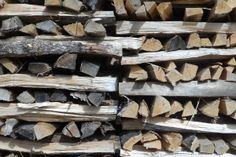 Nobody ever said chopping firewood is easy. But this quick tip will take the frustration out of it.