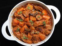 poivre, cidre, thym, concentré de tomate, oignon, huile d'olive, boeuf, sel, carotte, laurier