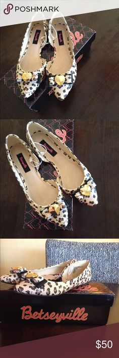 ❤️Betsey Johnson Leopard Flats❤️ New in box. Betsey Johnson Shoes Flats & Loafers