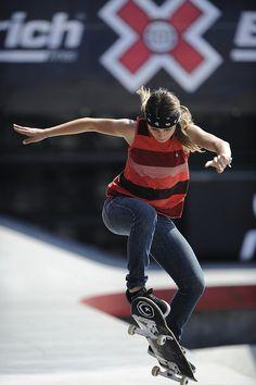 #lufelive @lufelive Letícia Bufoni, São Paulo, Brasil... #skate #skateboarding…
