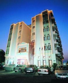 42,25 TL'den başlayan Nisan Ayı fiyatları ile HeryerdenTatil.com'da. Bella pino hotel, kuşadası güzelçamlı mevkiinde, denize sıfır konumda, 86 oda kapasitesi ile hizmet vermektedir.
