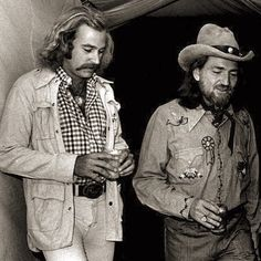 Billy Sherrill, right, talks with Jimmy Buffett and Willie Nelson before the BMI awards dinner in October 1975 (photo: Jimmy Ellis/The Tennessean). Country Musicians, Country Artists, Country Singers, Willie Nelson, Jimmy Buffett Margaritaville, Texas Music, Celebs, Celebrities, Music Lovers