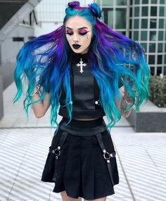 Brilliant outfit and amazing hair Exotic Hair Color, Funky Hair Colors, Beautiful Hair Color, Hair Dye Colors, Ombre Hair Color, Cool Hair Color, Gothic Hairstyles, Cool Hairstyles, Black Hair Dye
