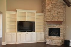 Great No Cost Corner Fireplace entertainment center Concepts Corner fireplaces provide range advantages to individuals with get together rooms wonderful and also small. Fireplace Built Ins, Fireplace Tv Stand, Home Fireplace, Fireplace Design, Corner Fireplaces, Fireplace Update, Stone Fireplaces, Fireplace Ideas, Tv Built In
