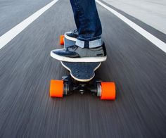 Get the feel of snowboarding even when you're riding through the city or campus on this Boosted Dual+ 2000W Electric Skateboard. It uses a lithium battery, powerful motors and brakes and a simple wireless control, the combination of which has led to one of the coolest electric vehicles you have never seen before.