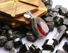 Vintage Pendants – Antique Red Garnet 925 Sterling Silver Pendant – a unique product by IndianCraftPalace on DaWanda