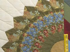 Bertha Quilt -- superb ably made Amish Quilts from Lancaster (hs6208)