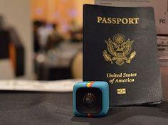 Socialmatic Polaroid продемонстрировала линейку из четырех камер в движении, в том числе очаровательные новые  35 - мм куб камеры под названием C3
